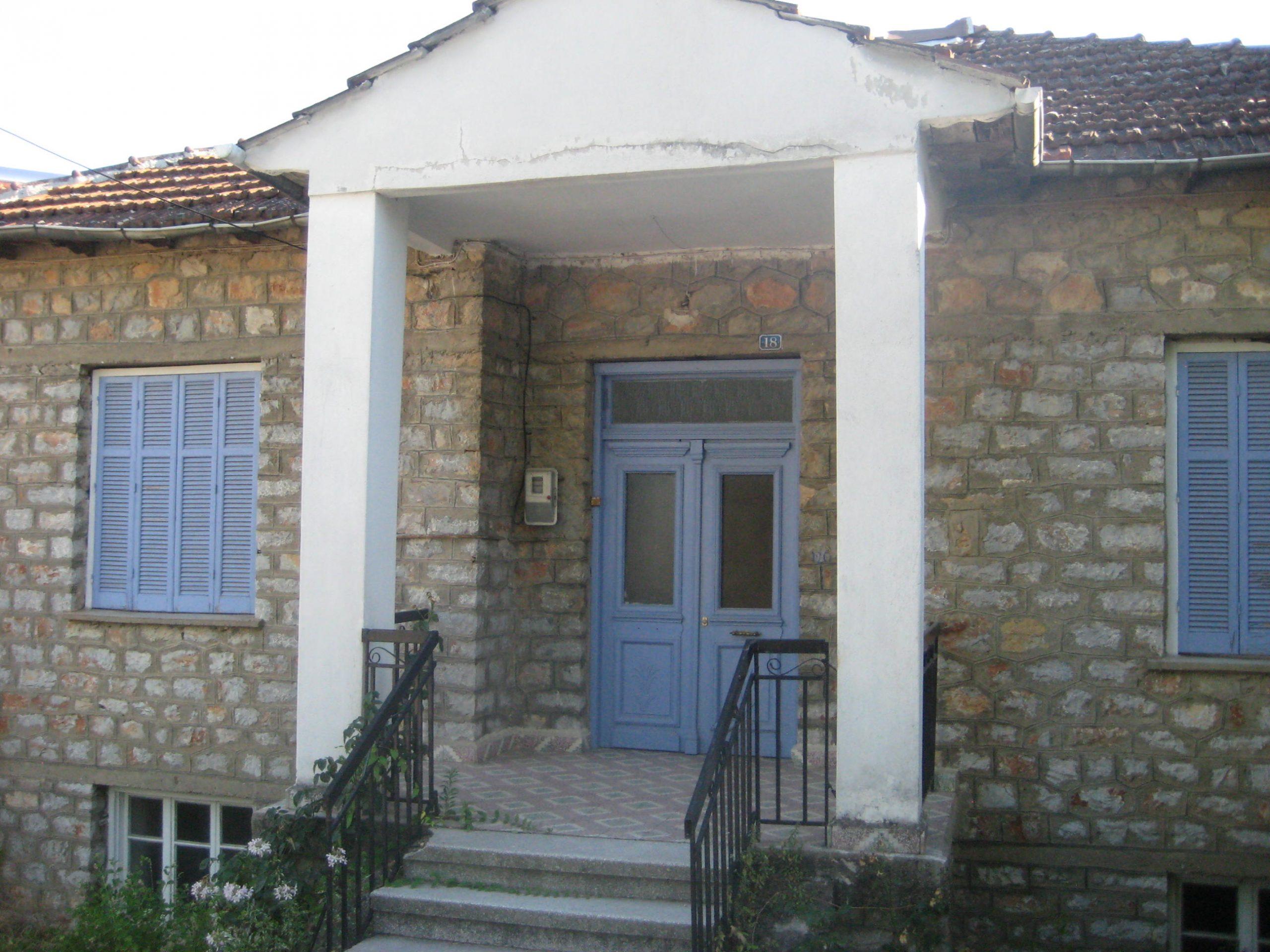 ΠΩΛΕΙΤΑΙ   πέτρινη μονοκατοικία στο Άργος Όρεστικό